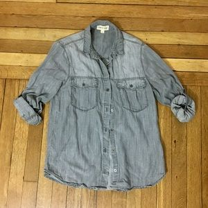 NWOT Cloth & Stone Chambray Grey Light Denim Shirt
